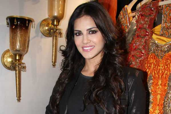 sunny-leone-tweets-in-tamil