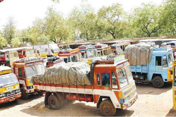 lorry-strike-may-let-go-with-bus-in-agricultural-products