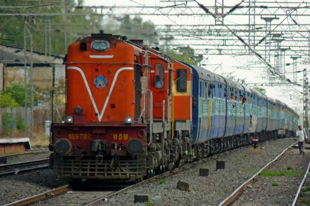 rail-ticket-booking-in-private-portals-to-cost-more
