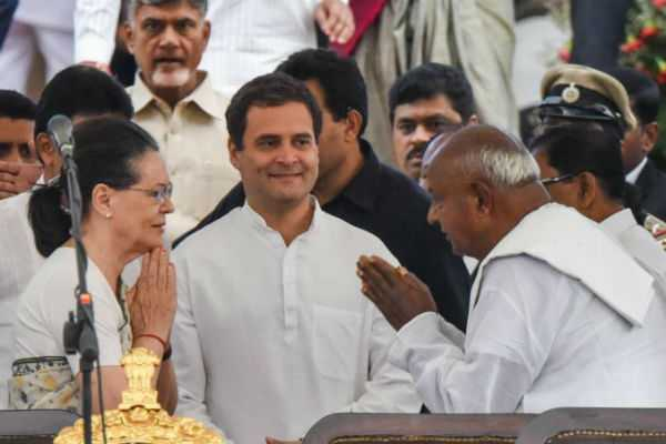 h-d-deve-gowda-backs-rahul-gandhi-for-pm