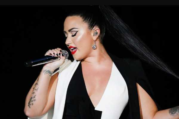 demi-lovato-rushed-to-hospital-after-drug-overdose