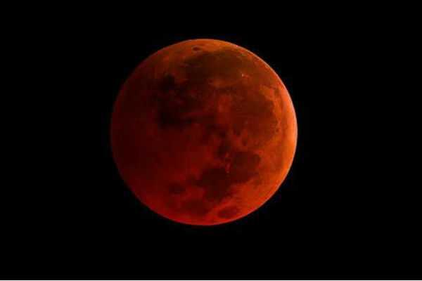 century-s-longest-lunar-eclipse