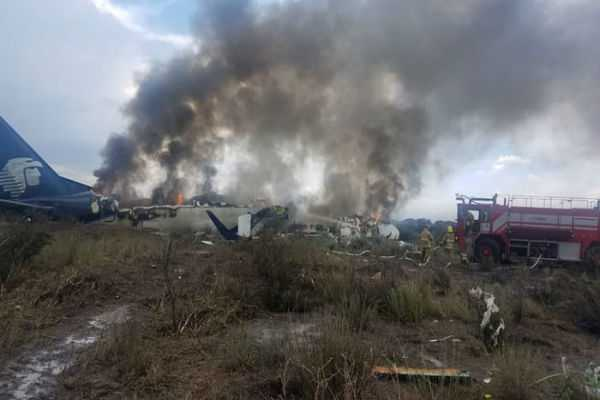 mexico-plane-crashes-with-103-people-aboard-but-all-survived