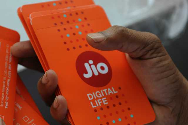 jio-introduces-6-months-unlimited-data-and-calls-pack