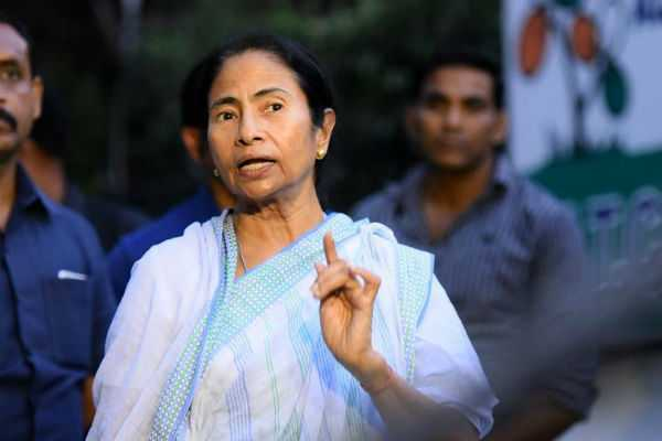 police-case-filed-against-mamata-banerjee-for-civil-war-comment-on-nrc