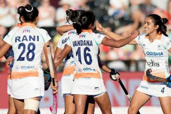 indian-women-hockey-team-enter-quater-finals-of-fih-world-cup