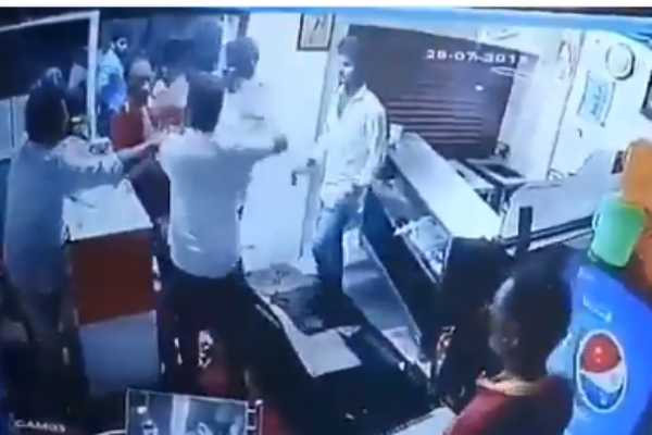 dmk-group-attacked-hotel-servants-for-not-issuing-briyani