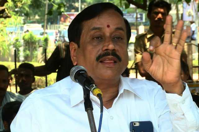 h-raja-accuses-former-minister-of-idol-theft