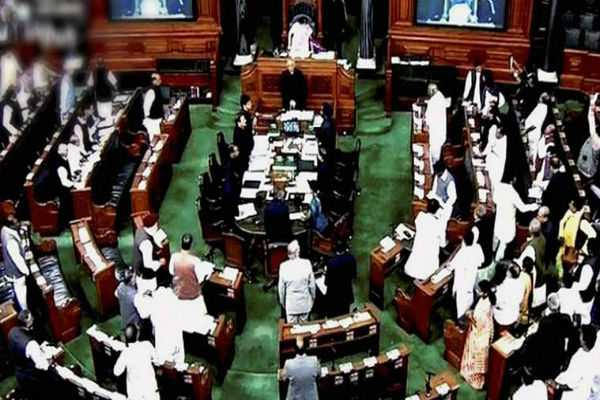 karunanidhi-passes-away-parliament-houses-adjourn-for-the-day-after-paying-respect