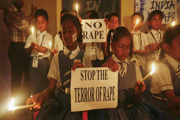 delhi-police-arrests-electrician-for-raping-class-2-student-in-school