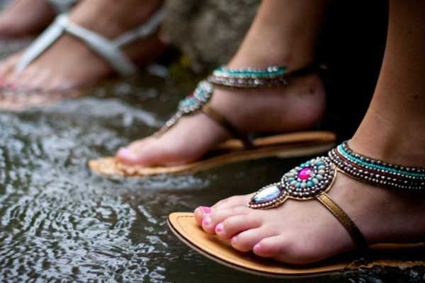 how-to-take-care-of-feet-in-monsoon