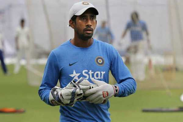 wriddhiman-saha-returns-home-after-surgery