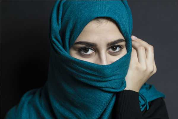 bus-driver-demands-muslim-woman-to-remove-her-niqab-in-uk