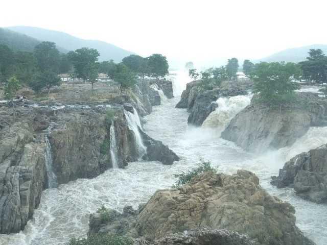 karnataka-dams-release-2-lakh-cubic-feet-water