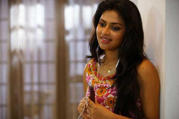 actress-amalapaul-follows-nayanthara