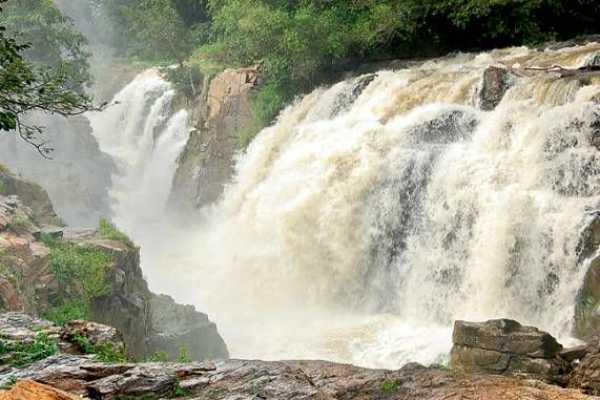 water-outflow-from-karnataka-is-increased-to-2-lakhs-cusecs