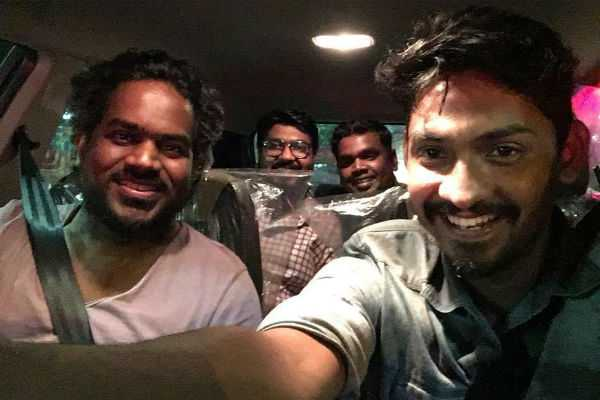 yuvan-gifted-car-to-ppk-director-elan