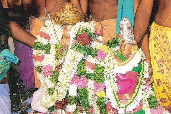 nandhi-marriage-in-front-of-the-six-deities