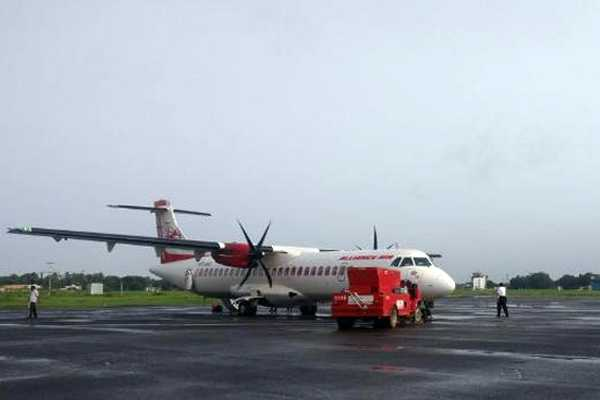 the-first-commercial-flight-landed-today-in-kochi