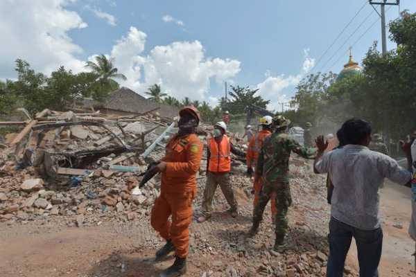 earthquakes-killed-at-least-13-people-on-indonesian-islands