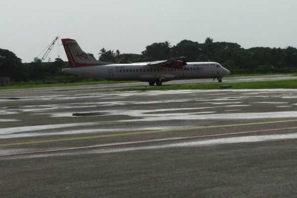air-india-flight-land-in-kochi-jet-indigo-goair-begin-special-services-to-kerala