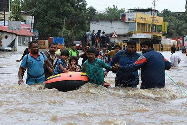 kerala-flood-relief-tamil-nadu-ips-officers-gives-their-one-day-salary-to-kerala-people