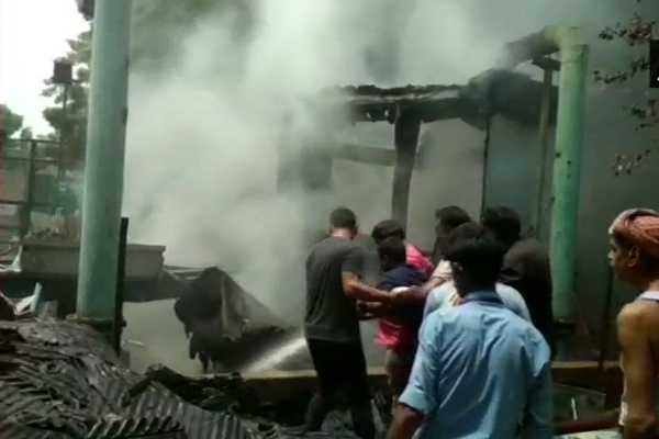 fire-broke-out-in-an-ac-plant-of-doordarshan-bhawan-at-mandi-house