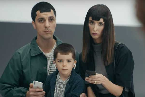 samsung-trolls-iphone-x-in-new-ad-campaign