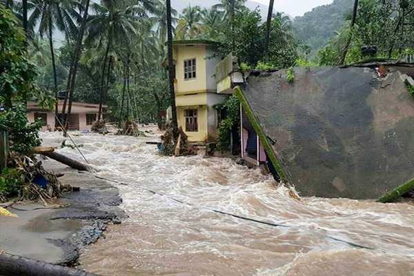 samsung-to-contributes-rs-1-5cr-honda-donates-rs3-cr-to-flood-hit-kerala