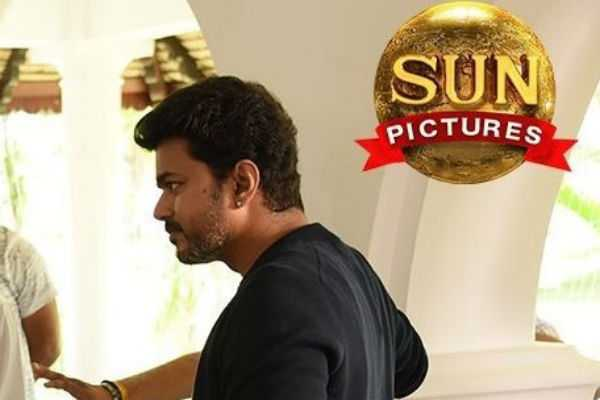 sun-pictures-released-official-sarkar-working-still