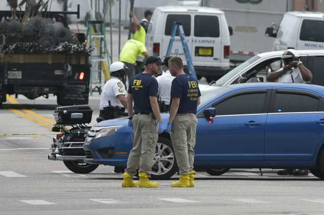 shooting-in-us-mall-3-dead