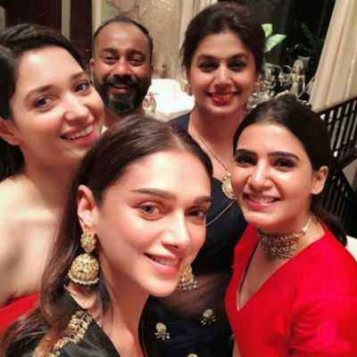 tamil-heroines-selfie