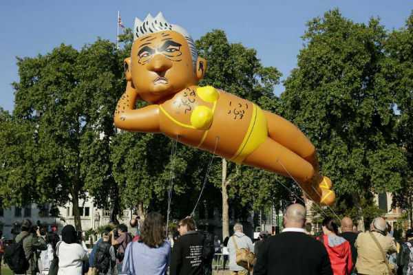 balloon-poking-fun-at-mayor-sadiq-khan-flies-over-london