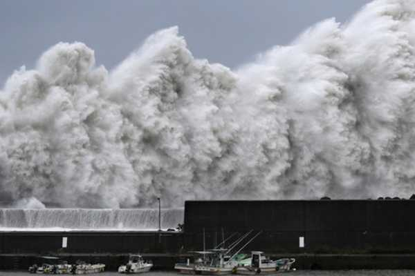 japan-faces-giant-storm-10-killed