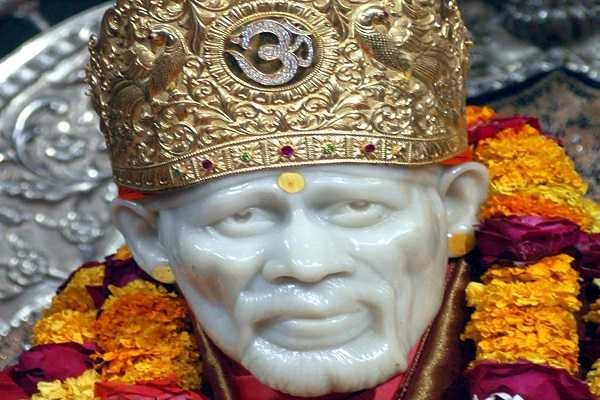 shirdi-miracles-shirdi-sai-who-attracts-devotees-with-his-love