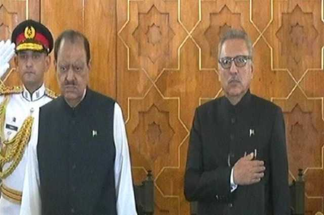 arif-alvi-sworn-in-as-pakistan-s-new-president