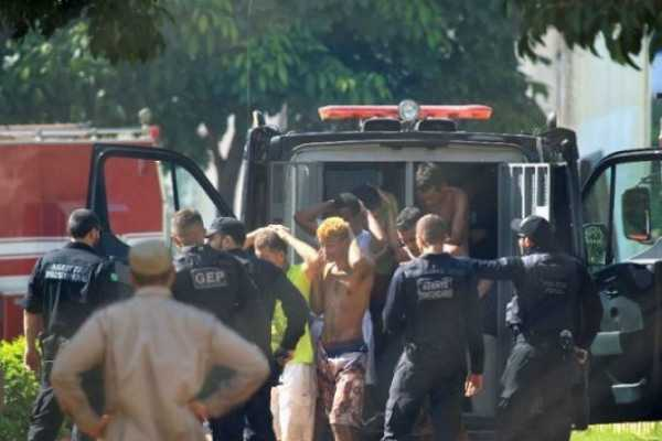 brazil-105-convicts-escape-after-jail-stormed-by-gangs