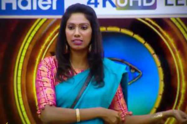 nithya-questions-contestants-about-hitler-task-biggboss-promo-1