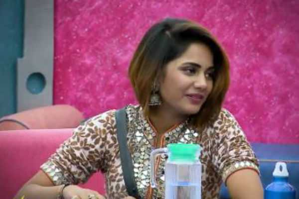 no-one-is-important-in-this-house-except-yaashika-biggboss-promo-2
