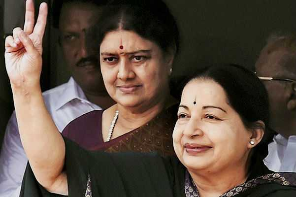 plans-to-pin-jayalalitha-death-on-sasikala-s-family