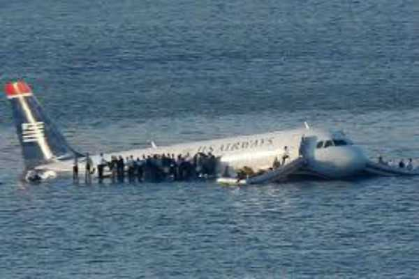 air-niugini-plane-crashes-into-ocean-during-take-off-in-micronesia