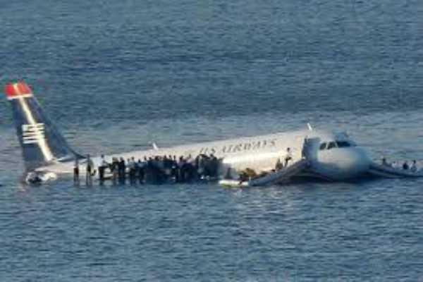 air-niugini-plane-crashes-into-ocean-during-take-off-in-micronesia