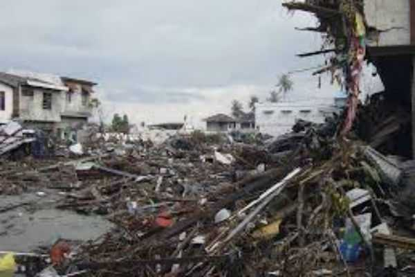indonesian-city-hit-by-tsunami-after-strong-earthquake-reports