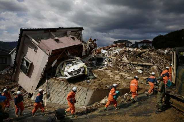 indonesian-tsunami-death-toll-set-to-rise-past-400-as-search-for-survivors-continues