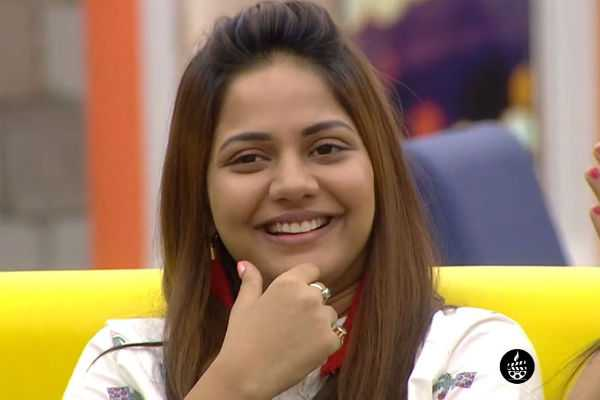 aishwarya-dutta-tweet-after-coming-out-from-biggboss-house