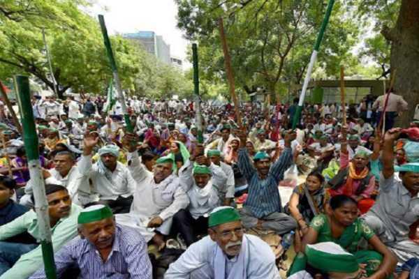 farmers-rally-towards-delhi