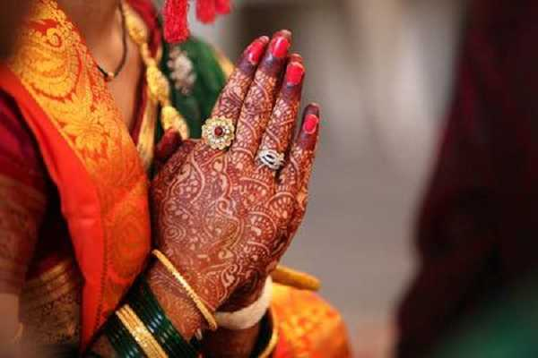 navarathri-special-ambikai-s-favourite-henna