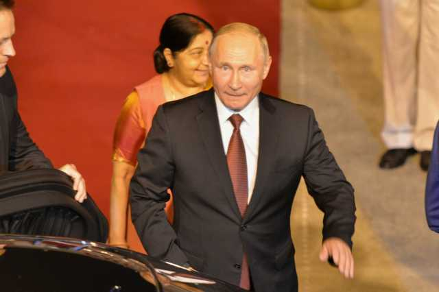 putin-arrives-in-india-meets-modi