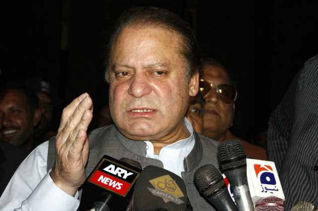 fmr-pakistan-pms-appear-before-lahore-high-court-on-treason-petition