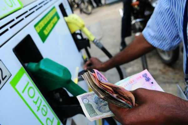 delhi-govt-refuses-to-reduce-tax-on-petrol-diesel